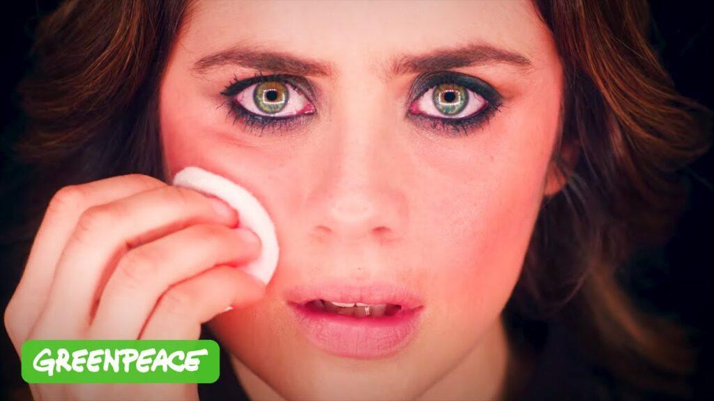 visuel de l'article greenpeace sur les plastiques dans les cosmétiques